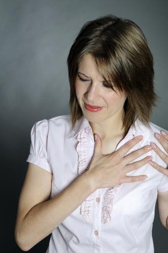 Боль в груди при надавливании
