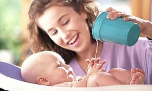 комаровский и купание новорожденного