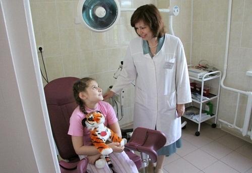 Видео девочка гинеколог осмотр смотреть онлайн фотоография
