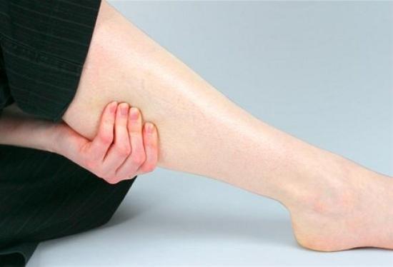 причины отека ног и боль в суставах
