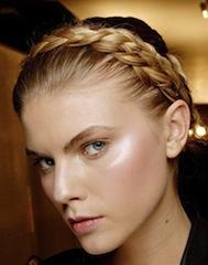 как красиво заплести длинные волосы коса вокруг головы 2